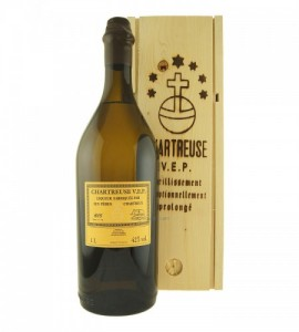chartreuse-yellow-vep-1L-mybottleshop-450x500